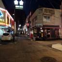 長野市街、裏通り。このぐらい暗くなるとWX1の方が強いなぁ。